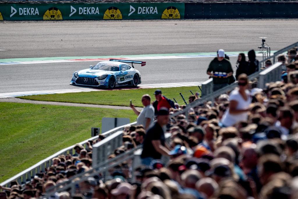 DTM-2021-Assen-mercedes-AMG-Team-Winward-fans-auf-Tribuene-GT3-Philip-Ellis-Action-startnummer 57